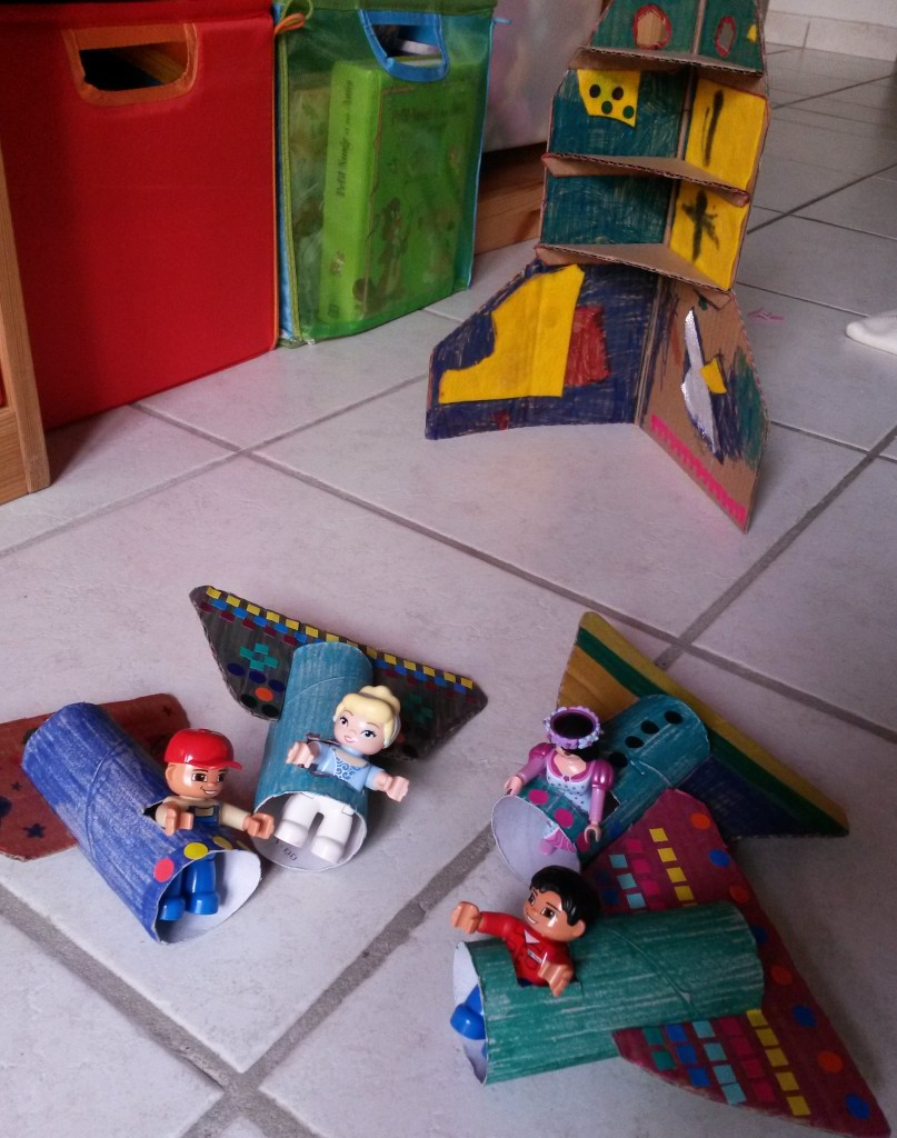 construction en carton enfants