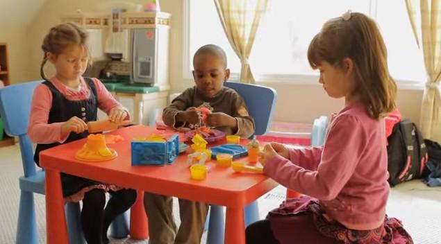 aider enfant s'intégrer dans un groupe
