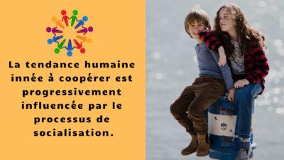 La tendance humaine innée à coopérer est progressivement influencée par le processus de socialisation
